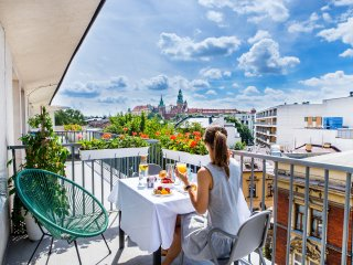 One & Only Apartment 1, 3 min. Market Square, Private terrace, best castle view