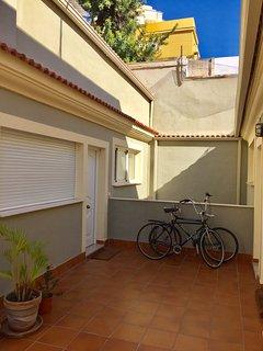 zona exterior y de acceso al apartamento