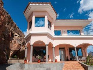 Majestic Villa Monte Leon for 6 + 6