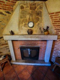 Chimenea de la bodega de la casa rural Casa Salva