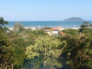 Casa praiana frente p/ o mar. Praia da Solidao.