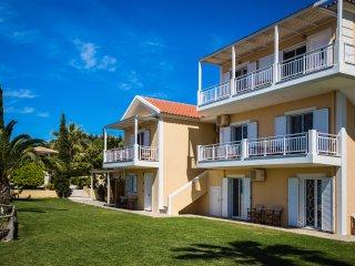 Villa Rosa - Top Floor 1 Bed Apart (No. 15)