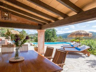 Charming and authentic Ibicencan house, with pool, barbecue, near San Jose and t