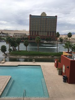 RIVER CONDO, PRIVATE BOAT LAUNCH, CLOSE LAUGHLIN CASINOS & RESTAURANTS .