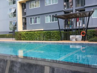 Dcondo Kathu One bedroom lux condo only 15 min Patong Beach