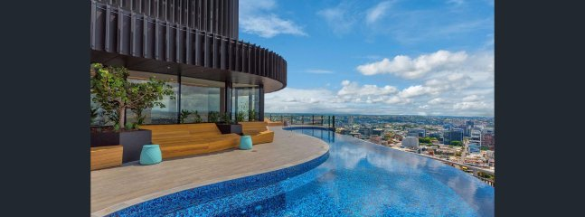 Infinity Roof top Pool with lounging area