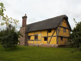 Hacton Cruck Medieval Hall