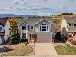 *H* NEW! 4BR Colorado Home Experience