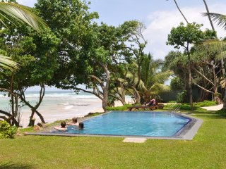 South Point Abbey: 4 bedroom luxury beach villa with private pool, fully staffed