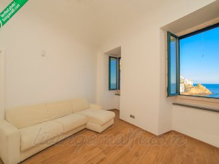Amalfi: Emerald Heart. Internet WiFi, Air-conditioning, Sea view, Main centre.