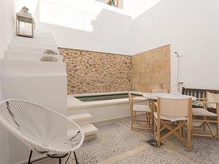 Casa de pueblo con piscina en el centro de Pollenca