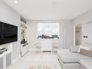Stunning 2 Bedroom Apartment in Paddington