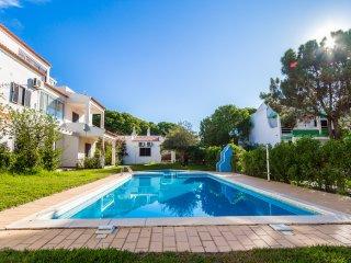 Jadlyn White Apartment, Albufeira, Algarve