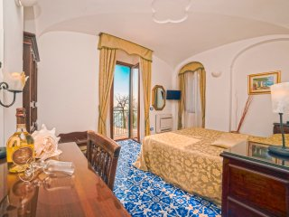 Amalfi: Deluxe Room. Internet WiFi, Air-conditioning, Sea view, Private bathroom