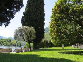 Villa esclusiva fronte lago
