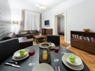 New Town Luxury by Wenceslav Square, high ceilings