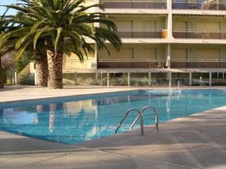 T2 - 4 personnes - Clim - Piscine résidence - Sainte-Maxime