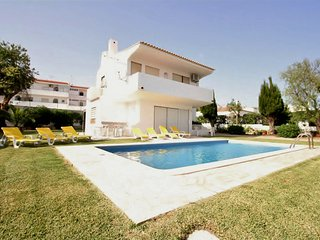 Villa Tres Jotas - 3 Bedroom Detached Villa - Private Pool - Strip Location