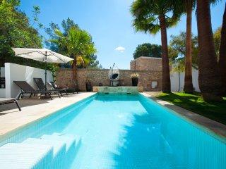 Villa Caballito - Fabulous location, short stroll to St Eulalia resort & beaches