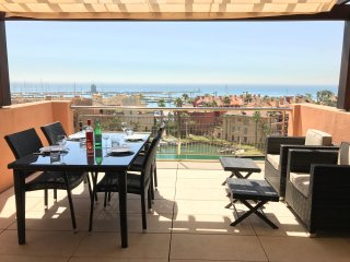 Sotogrande Marina Marlin Penthouse - Stunning Panoramic Views