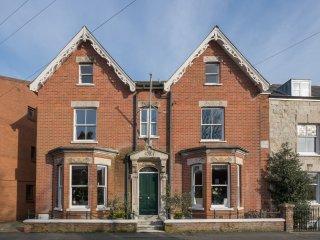 Glenholm House