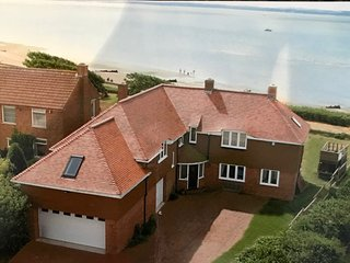 Large seafront home with views to the Isle of Wight!