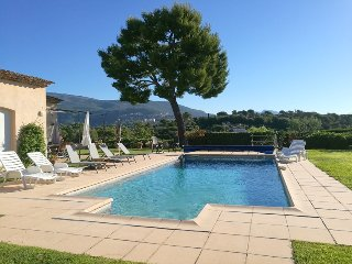 JDV Holidays Villa Oliviers, modern 3 bed villa with large heated pool & gardens