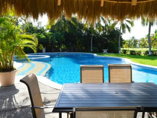 Amazing 2 BDR Villa, Marina Vallarta, facing the Golf Course, Pool, garage  .
