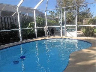 Heated Pool and Hot Tub Beach Home, 3 Min Walk to Beach, Lots Space, Serene