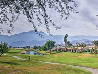 NEW! La Quinta Golf Condo w/Access to Pool+Hot Tub