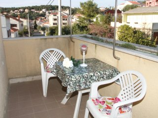 Studio in Okrug Gornji, with enclosed garden and WiFi - 60 m from the beach