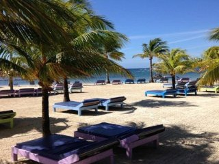 2 Bdrm Villa/ 2.5 Bath, Beach Front Resort, 2 Pools & Hot Tub