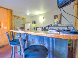 Fantastic Studio Right On the River in Downtown Steamboat