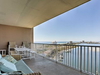 NEW!2BR Condo w/ Splendid Views of Pensacola Beach