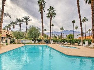 Modern Palm Springs Condo w/Pool & Hot Tub Access!