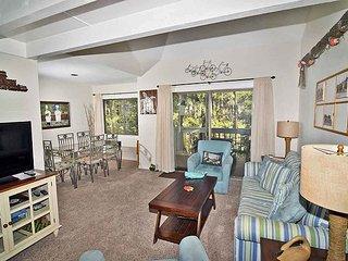 Racquet Club Villas 2321- Charming Sea Pines 1 bedroom plus Bonus Loft!!