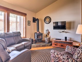 McCall Condo w/ Views - 1 Mile to Payette Lake!