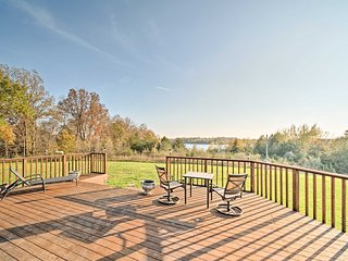Spacious Apt. w/ Fire Pit & Lake Sugema Views!