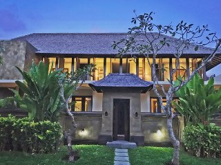Samara, 4 Bedroom Villa, Car + Driver, Tanah Lot