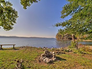 NEW! Waterloo Mobile Home - Walk to Pickwick Lake!