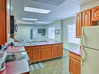 This recently renovated unit provides 8 guests with comfortable accommodations.