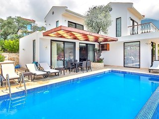 3 bedroom Kalkan Villa with Private pool and Sea views