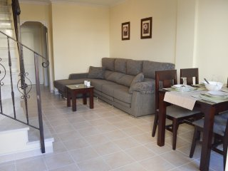 Gorgeous 3 bed refurbished townhouse - Albatros