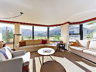 1BR Resort at Squaw Creek Corner Unit Wrap-Around Views Sleeps 4 King Suite