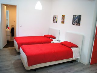 Tagus 5 Colours Suites - RED SUITE (Superior Family Room) with private bathroom