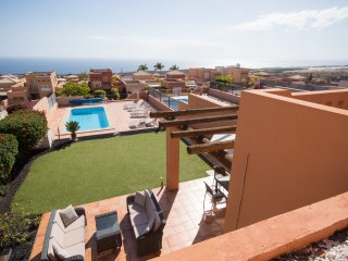 Superb 3 Bedroom Villa. Private Heated Pool. Beautiful Views. Air Conditioning.