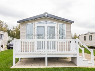 8 Berth Caravan in Hopton Haven Holiday Park, Great Yarmouth Ref: 80009 Woburn