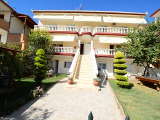 R130 Lavish maisonette in Flogita.