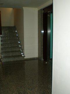 Escalera y ascensor
