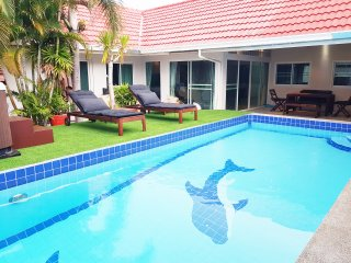 Big Pool Villa near walking street Pattaya